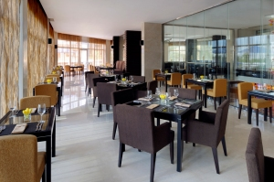 nosh main restaurant