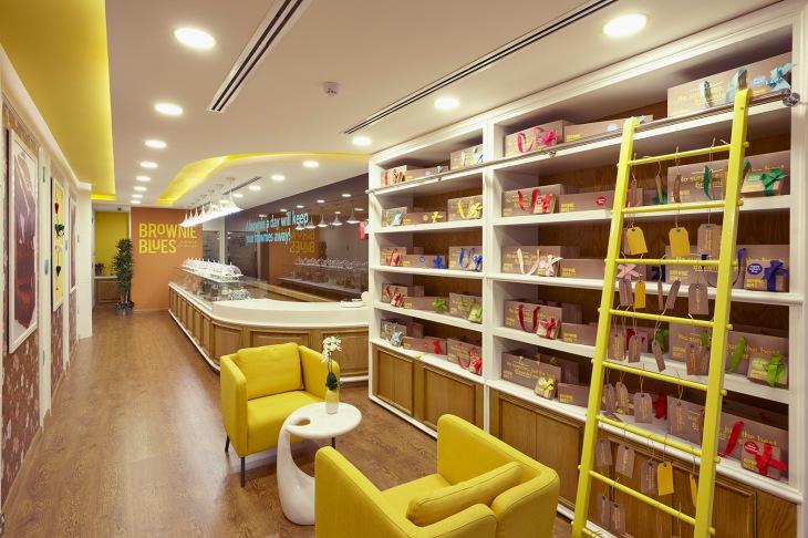 _J3W9741 Shop Empty 2