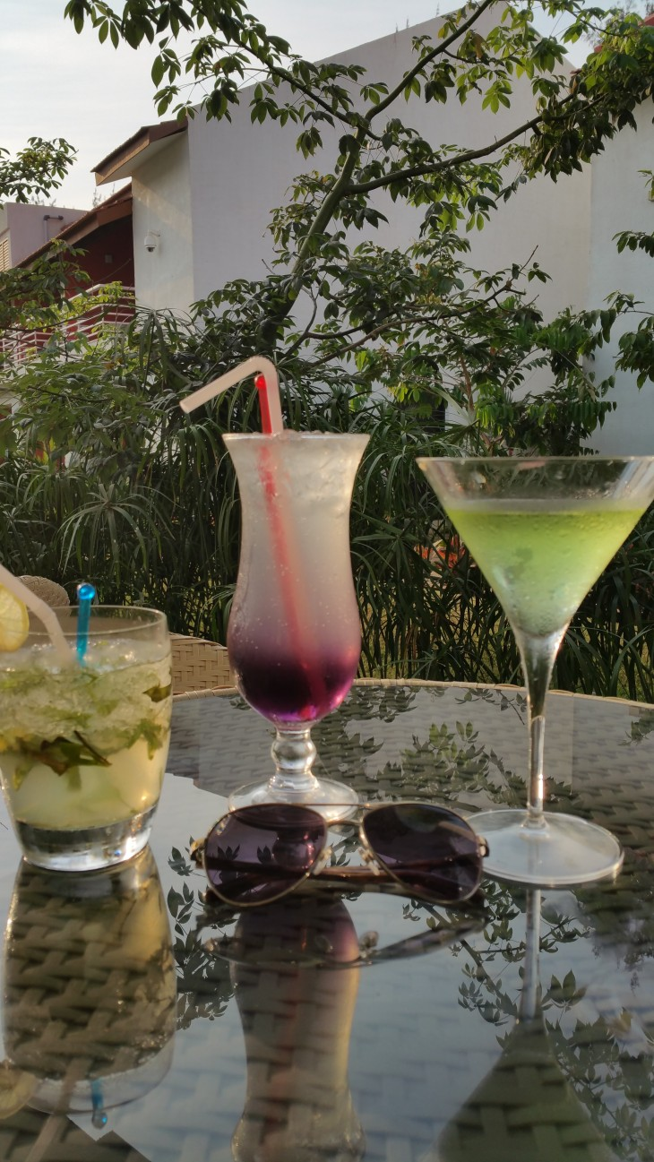 Goa Fame drinks by the Pool